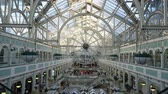 Írország : Dublin, OCT 28: Interior view of the famous Stephens Green Shopping Centre on OCT 28, 2018 at Dublin, Ireland Stock mozgókép