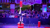 távozás : Las Vegas, JAN 4: Free Acrobatic Troupe show in the famous Circus Circus Hotel & Casino on JAN 4, 2020 at Las Vegas, Nevada Stock mozgókép