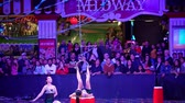 nevada : Las Vegas, JAN 4: Free Acrobatic Troupe show in the famous Circus Circus Hotel & Casino on JAN 4, 2020 at Las Vegas, Nevada Archivo de Video