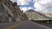 típico : Cliffs and peaks along Tioga Pass road in Californias Yosemite National Park. Stock Footage