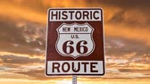 rota : US Route 66 Sign with Sunrise Time Lapse Sky Vídeos