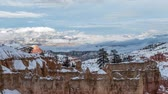 clareira : Bryce Canyon National Park clearing winter storm time lapse with zoom in.