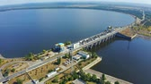 waterkracht : Kiev Hydroelectric Station. Power plant on the Dnieper River in Vyshgorod, Ukraine. Aerial footage 4k