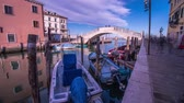 pontes : Timelapse of the bridge on the canal with boats Stock Footage