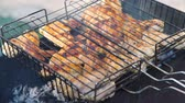 galinha : Making Grilled Chicken BBQ over the Coals on Barbecue. Barbecue Party in the Garden in Summer. The Concept of Relaxation and Enjoying Food
