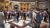 romano : Rome, Italy - October 5, 2019: Interiors and Details of Pantheon, Ancient Roman Temple. One of the Most Popular Tourist Sights in Rome. Concept of Holidays, Vacations and Travel in Europe Vídeos