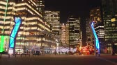 meşgul : A time-lapse of the busy city streets of downtown Vancouver at night Stok Video