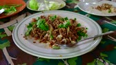 mięso mielone : 4K time lapse video of northern Thai style spicy minced pork, Thailand.