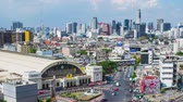 dálnice : Time lapse: Aerial view of Bangkok railway station and modern building in bangkok cityscape, thailand