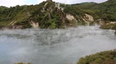 旅游 : Steaming Frying Pan Lake, New Zealand