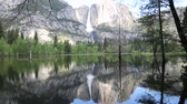 şelaleler : Double landscape - Yosemite NP, California Stok Video