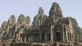 espíritos : Top view of ruins of ancient Angkor Wat temple Stock Footage