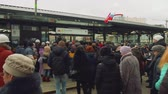 significar : MOSCOW - CIRCA APRIL, 2018: Crowd of people waiting for opening new metro station Vídeos