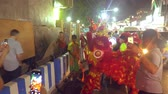 szatan : Pattaya THAILAND - FEBRUARY 05, 2019: Group parade of the golden dragons exhibition on walking street during the Chinese New Year celebrations. Wideo