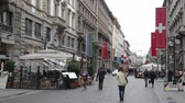 jednotnost : Pedestrians on one of streets of Milan. Milan  the main town of northern part of Italy. Dostupné videozáznamy