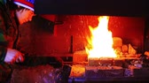 kowalstwo : Forging a fire for heating metal Wideo