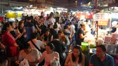 cena urbana : Bangkok, Thailand-November 3, 2018: People dining and bustling around China town of Bangkok. Yaowarat Road (China Town) is famous for street food with lively environment.