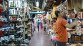 yerleri : Chiang Mai, Thailand-October 4, 2015: View of a famous market, Warorot Market in Chiang Mai, Thailand Stok Video