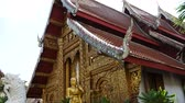 cultura thai : A view of a temple in Chiang Mai, Thailand