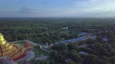 reclináveis : 4k Aerial of Aung Sakkya Pagoda (It is like Shwedagon pagoda in Yangon) and all Monywa valley Stock Footage