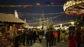 Moscow, Russia - December, 2017: Christmas market fair with carousel in Moscow, Russia Vídeos
