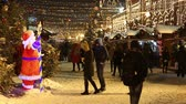Moscow, Russia - January, 2018: People on Christmas market fair in Moscow, Russia Vídeos