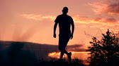 sonhador : Follow your dreams, silhouette of man at sunset Vídeos