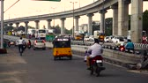 congestionamento : Traffic on busy city, Chennai city main center heavy traffic crossing a bridge and Busy rush hour street scene at chennai, India. Vídeos