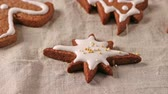 farinha : Making and decoration christmas cookies with cookie cutters Stock Footage
