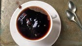 gotas de água : Cup of coffee slow motion