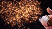 korken : Happy new year 2020 concept. Opening a champagne bottle closeup. Champagne explosion. Sparklers burst out and form the year numbers. Slow motion Videos