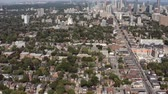 토론토 : Aerial Establishing shot of a Toronto neighborhood during the summer. Cinematic 4K footage. 무비클립