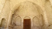 arabesco : in iran antique palace and mosque Hazrat with wind Vídeos