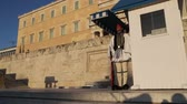 türbe : GREECE, ATHENS-CIRCA APRIL 2018 - unidentified people and cerimonial parliament guard