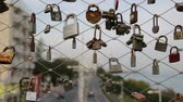 cadeado : CYPRUS, LIMASSOL-CIRCA APRIL 2018 - unidentified lock in the bridge like romance symbol