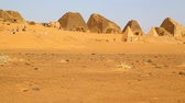 kush : in africa sudan The ancient pyramids of the black pharaohs in the middle of the desert Stock Footage