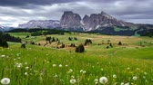 dolomiti : 4K Time lapse of Mountain Langkofel view from Alpe Di Siusi, Dolomites, Italy