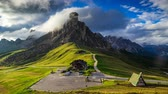passo : 4K Time lapse of Giau Pass at sunset, Belluno, Dolomites, Italy