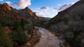близнецы : 4K Time lapse of Watchman viewpoint, Zion National Park, Utah, USA