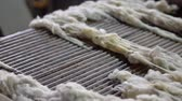 Wool washing and preparation for the production of tops 4