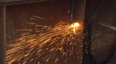 溶接機 : apparatus for welding metal sparks 18