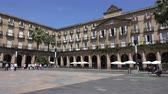 терраса : View inside the Plaza Nueva or Plaza Barria in Bilbao Spain