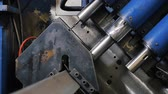 perfurar : Drilling holes metal iron on industrial CNC machine in factory. Modern technologies. Vídeos