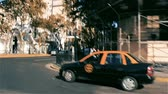latin amerika : Travel By Car Through The Center Of Buenos Aires (Argentina). Stok Video