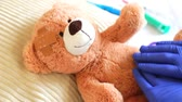 Teddy at the pediatrician with abdominal pain Stok Video