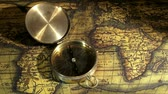 longitude : Golden compass and old maps, zoom