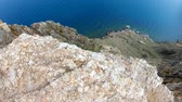 바위 : Top down view of high cliff. Rocky coast