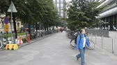 kuruluş : Helsinki , Finland - August 20, 2017: Major cities with new architecture as centres of tourism and recreation. Bicycle as modern means of transportation.