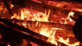 karakalem : Large bonfire, timber crib, tipi fire, hot fire. Red hot coals