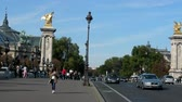 приукрашивание : Paris, France - 24.09.2017: Elysian fields (avenue des Champs-Élysées), Elysee palace. Golden winged horse statue on Alexander III bridge